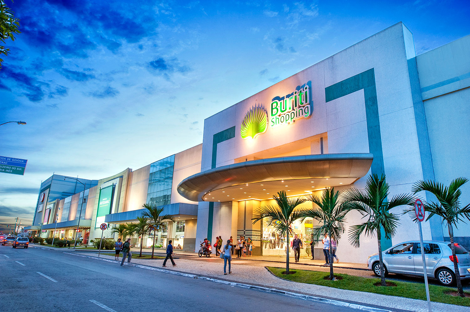 8fbd17997db Aparecida  joalheria Vizzardi do Buriti Shopping é assaltada