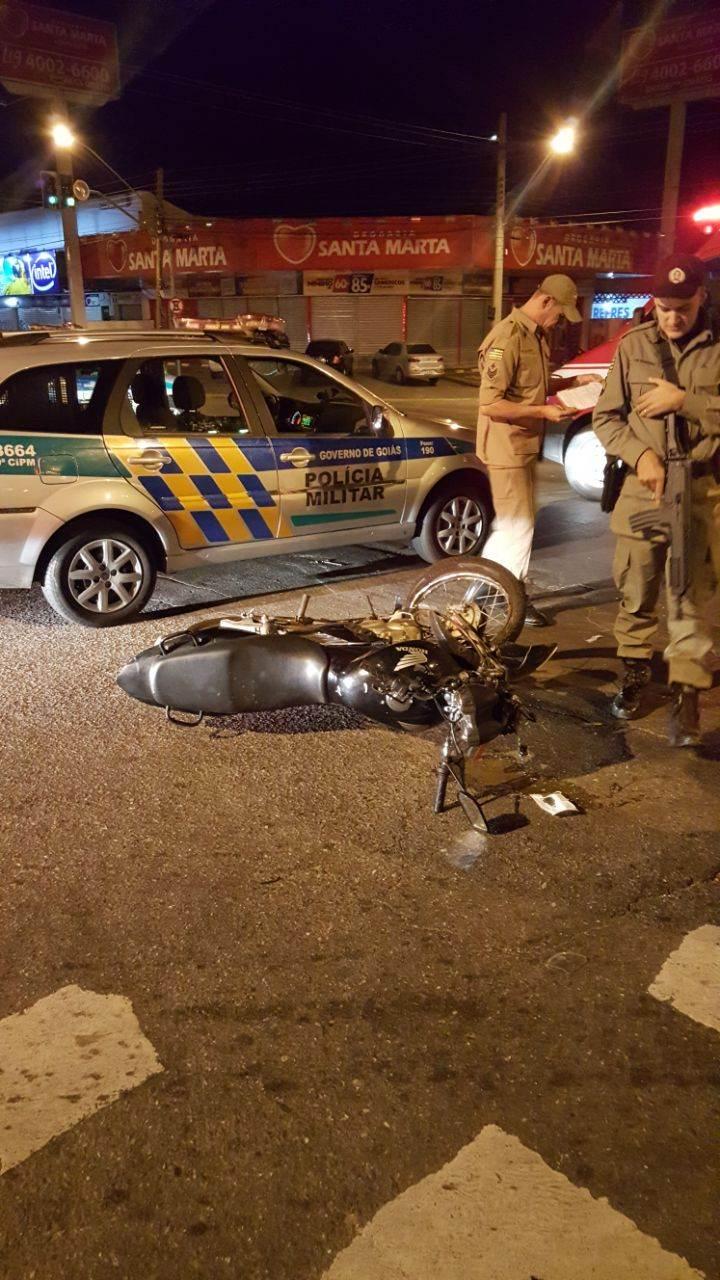 O condutor da motocicleta chegou a ser reanimado, mas não resistiu aos ferimentos e morreu no local | Foto: leitor WhatsApp