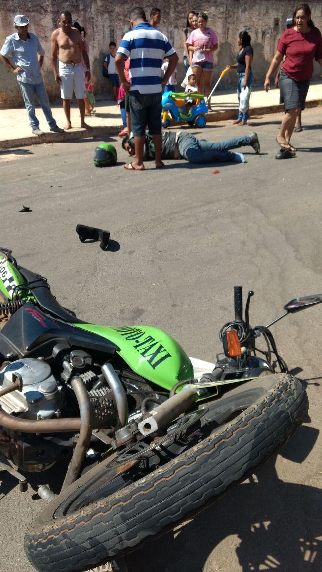 Motoboy foi atingido em cruzamento no Setor Jardim das Oliveiras | Foto: Leitor/Whatsapp