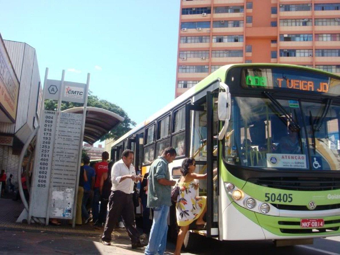 Especialistas dá dicas de segurança para usuários dos ônibus em Goiânia   Foto: Reprodução/CMTC