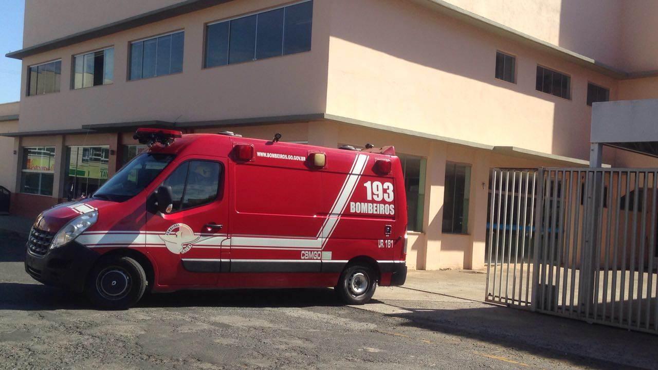 Suspeito baleado foi levado para o Pronto Socorro de Senador Canedo, mas não resistiu aos ferimentos | Foto: Reprodução/Whatsapp