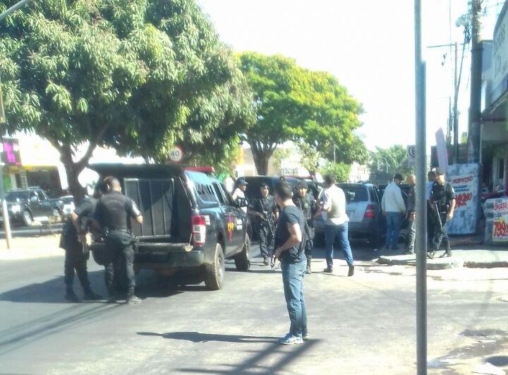 Ação aconteceu na Bairro Vila Jaiara, para onde os detentos eram deslocados com o objetivo de realizarem consultas médicas   Foto: Divulgação/CPE