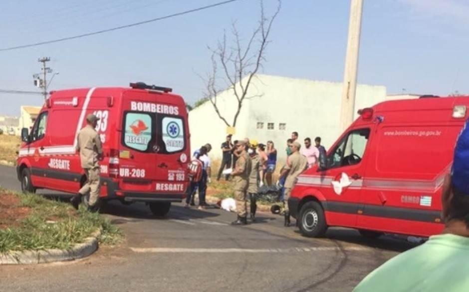Acidente deixou uma vítima fatal no Setor Moinho dos Ventos, em Goiânia   Foto: Leitor / WhatsApp