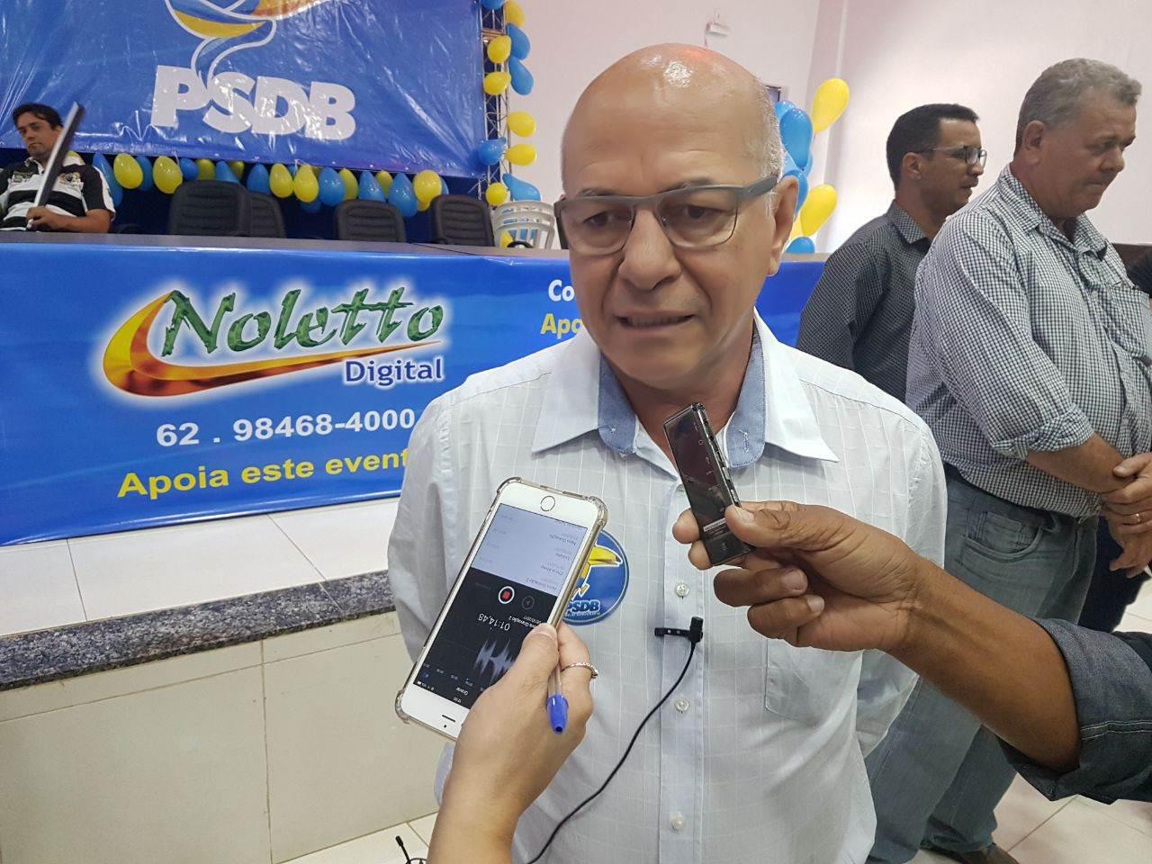 Professor Alcides também marcou presença no evento | Foto: Valdemy Teixeira