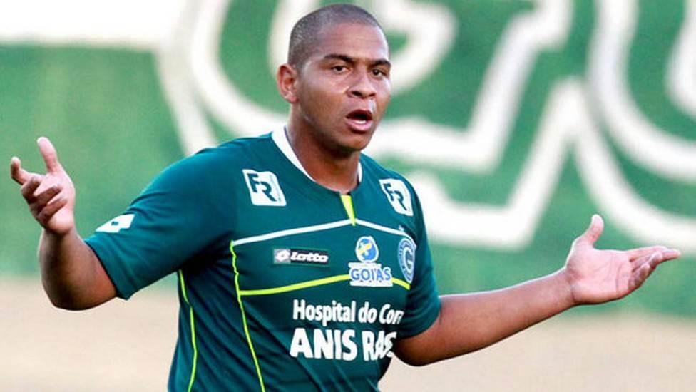 Walter foi campeão brasileiro pelo Goiás em 2012. Quando voltou, em 2016, não conseguiu repetir a boa fase | Foto: Reprodução