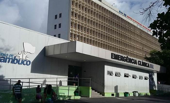Torcedor do Sport está internado na Unidade de Queimados do Hospital da Restauração, em Recife (PE) | Foto: Reprodução/ Facebook