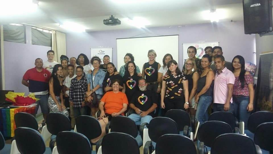 Mães pela Diversidade em Goiânia: uma aliança de mães e pais que, por meio do amor, defendem os direitos de seus filhos e filhas LGBT | Foto: Reprodução/ Redes Sociais