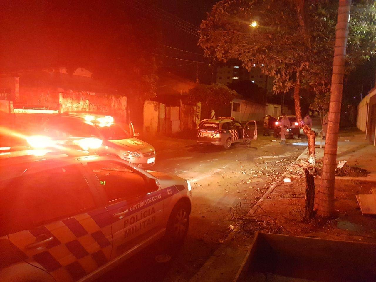 Dupla que arrombou vários carros no Bueno acaba presa após perseguição no Jd América | Foto: Folha Z