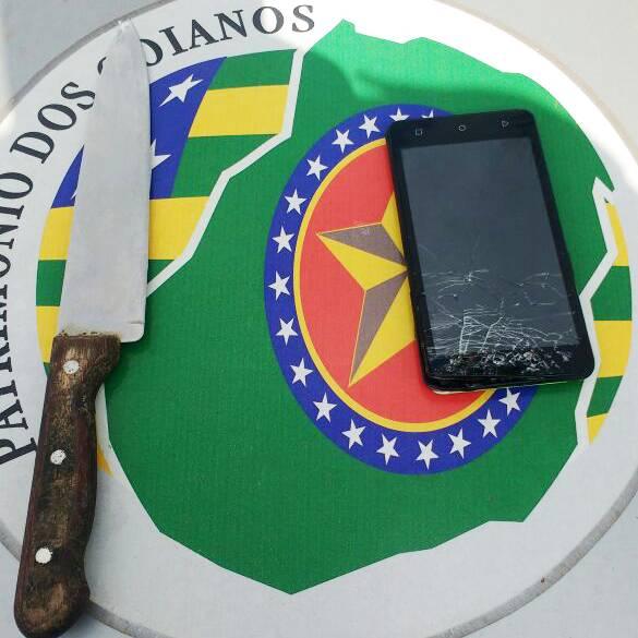 Portando faca, homem invade quartel da PM no Setor Coimbra e ameaça policial   Foto: Divulgação