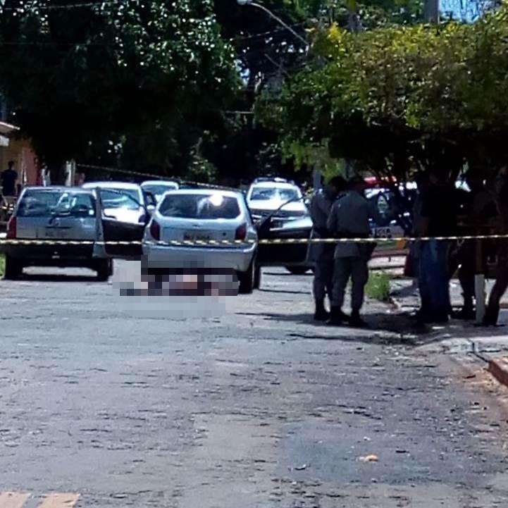 Crime aconteceu na Rua R-51, no Conjunto Itatiaia, em Goiânia | Foto: Leitor/ WhatsApp