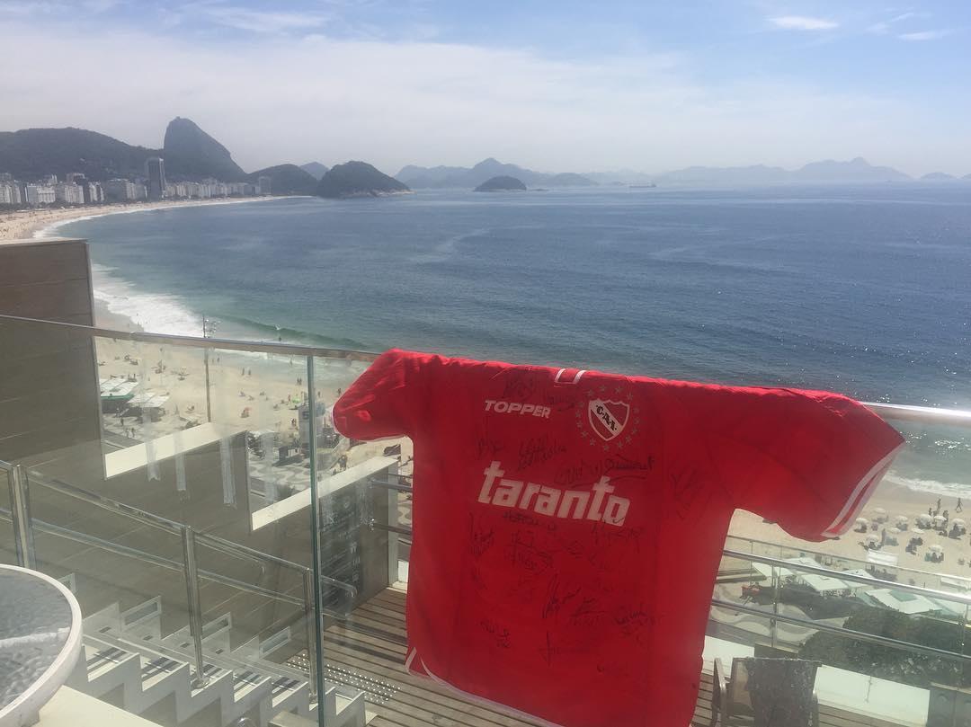 """Torcedores """"rojos"""" marcam presença no Rio de Janeiro para a final da Sul-Americana   Foto: Reprodução/ Redes Sociais"""