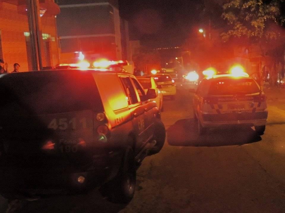 Assaltantes promovem arrastão, fazem refém e trocam tiros com a Rotam em Goiânia | Foto: Ilustrativa