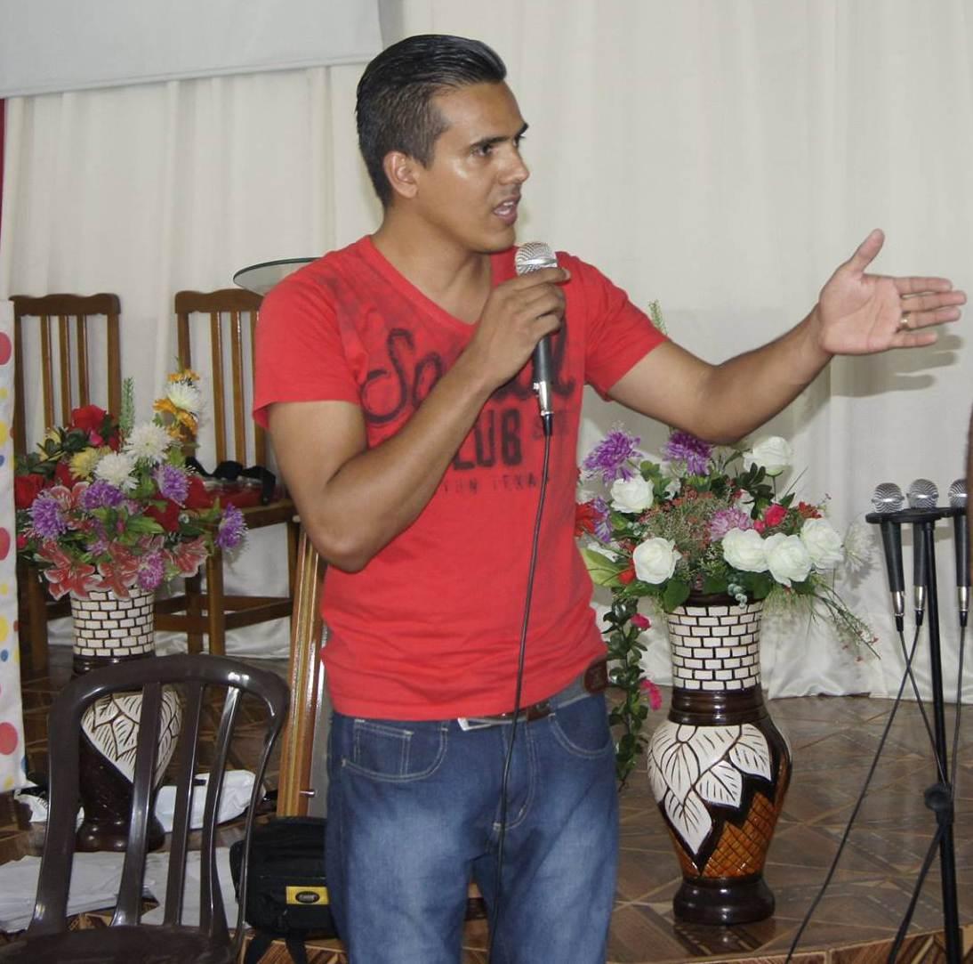 Jornalista e líder comunitário Isac Ayres   Foto: Acervo Pessoal
