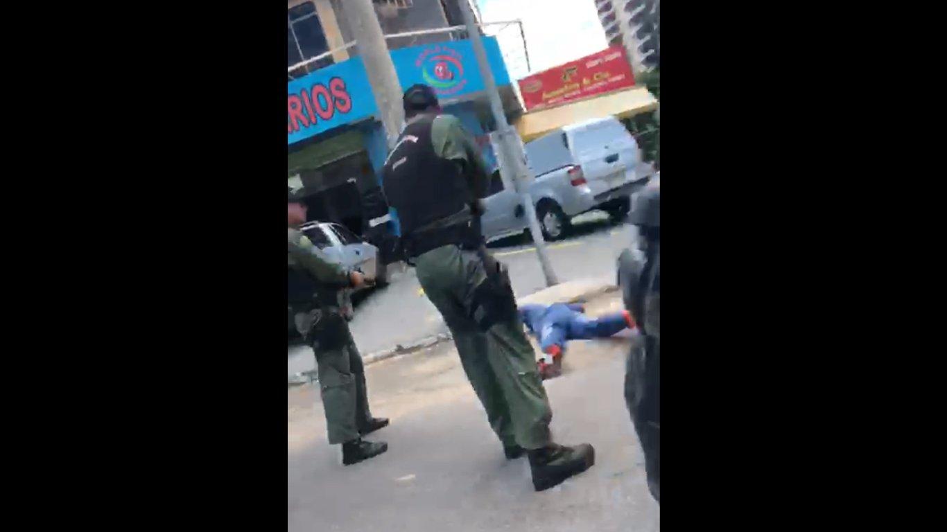 Assaltante é preso pelo GRAer na Avenida T-2 | Foto: Reprodução