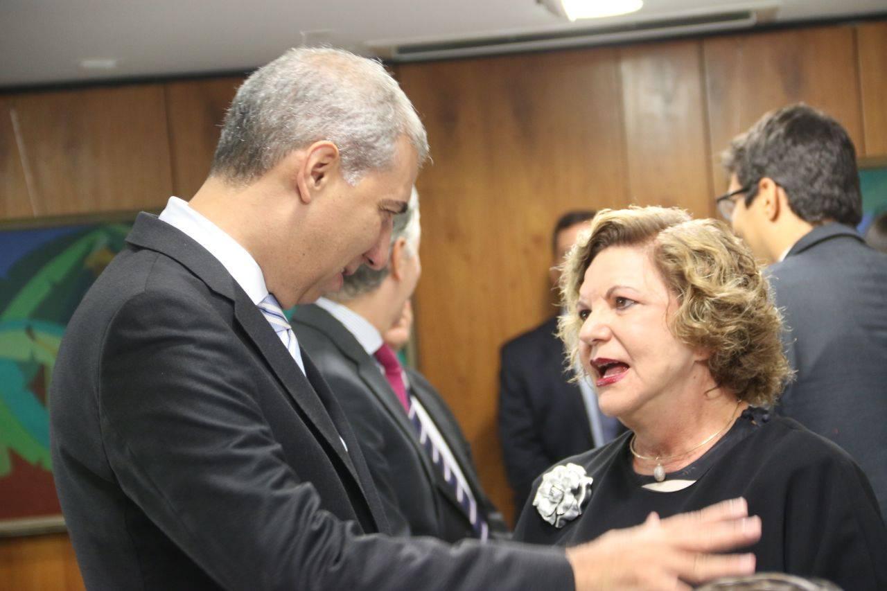 """""""Zé Eliton tem condições de demonstrar que ele é uma inovação"""", diz Lúcia Vânia   Foto: Jota Eurípedes"""
