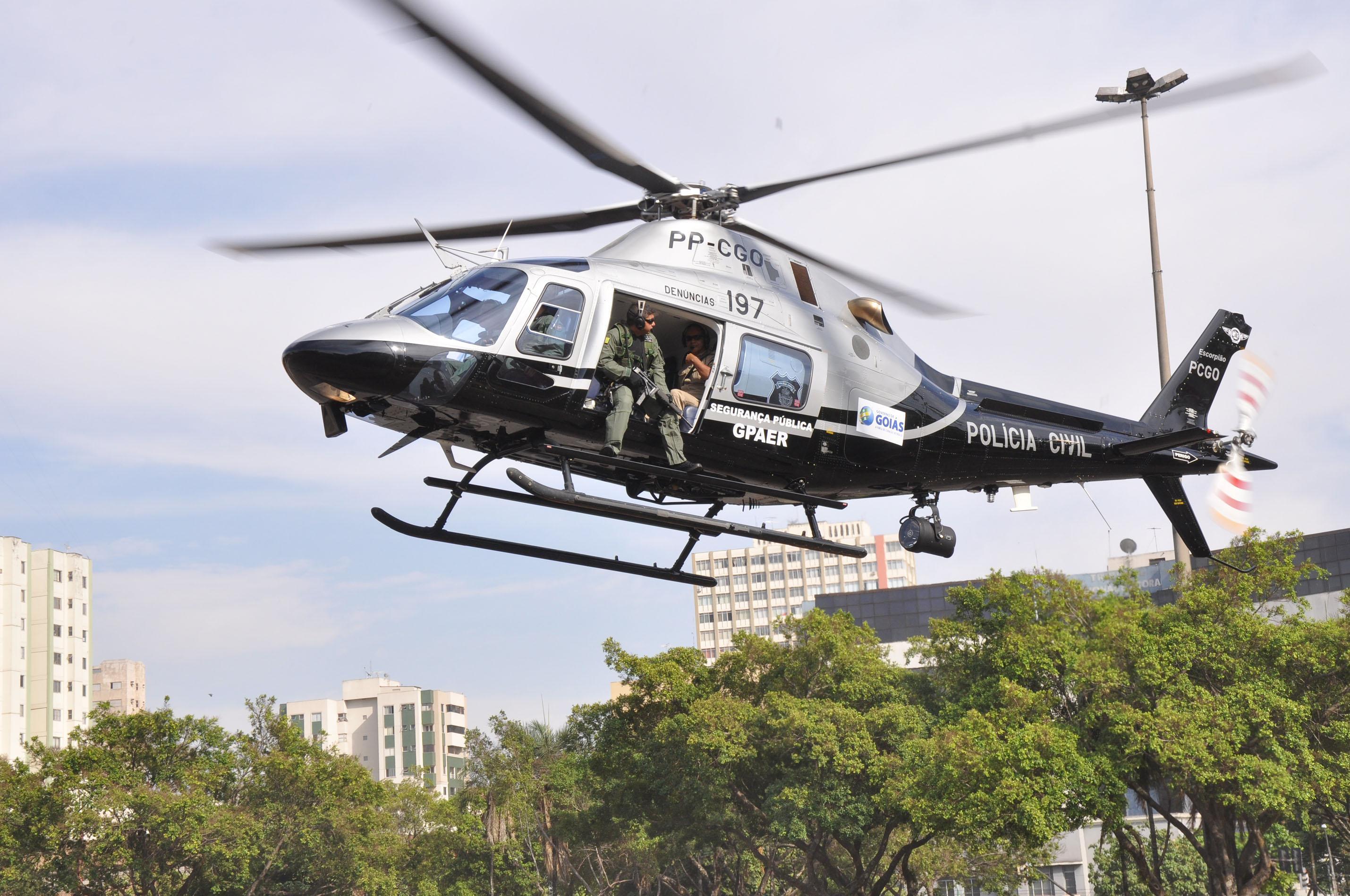 Helicóptero da Polícia Civil do Estado de Goiás caiu em 8 de maio de 2012 no município de Piranhas, região sudoeste de Goiás | Foto: Reprodução
