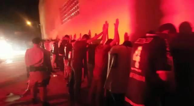 'Vila, vila', gritam torcedores do Goiás durante abordagem da PM | Foto: Reprodução