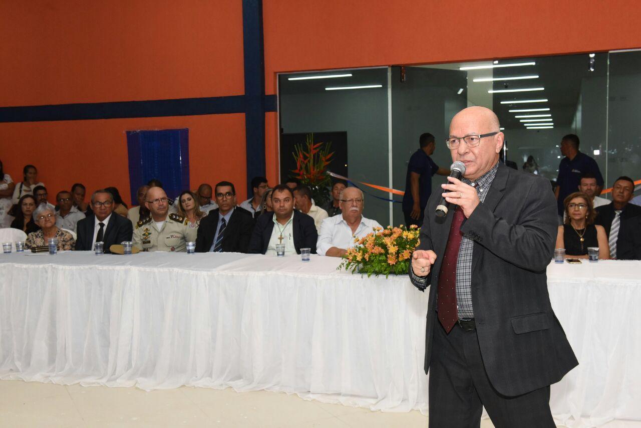 Professor Alcides discursou para um grande público | Foto: Divulgação