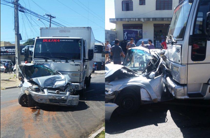 Caminhão desgovernado destruiu Celta que estava estacionado em frente a uma oficina | Foto: Leitor/Whatsapp