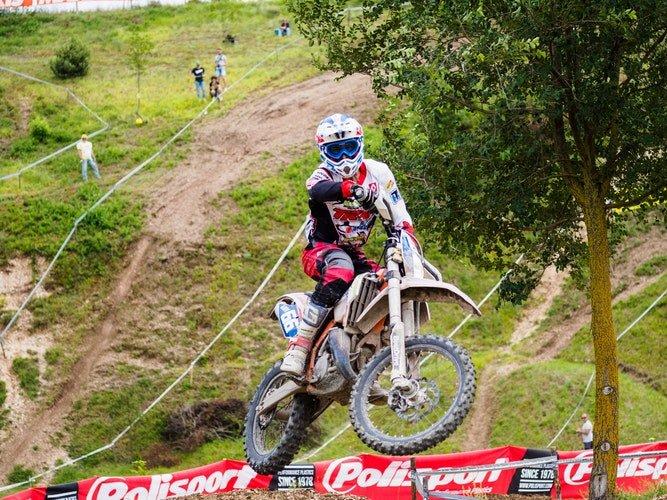 Ricardo Zardini Rocha, organizador do evento, é conhecido como 'Xuxa' do motocross | Foto: Reprodução