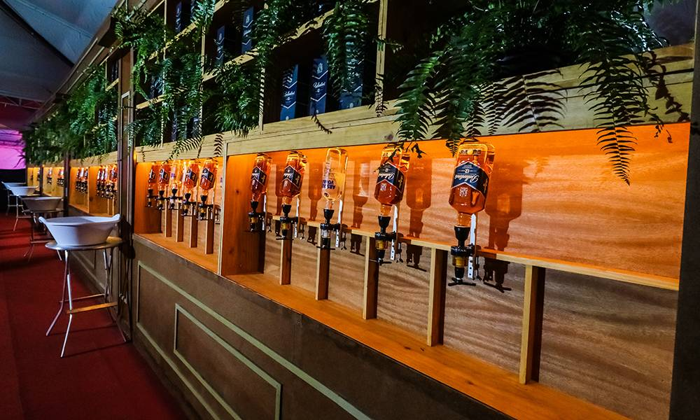 Camarote incluirá open bar de várias bebidas | Foto: Divulgação