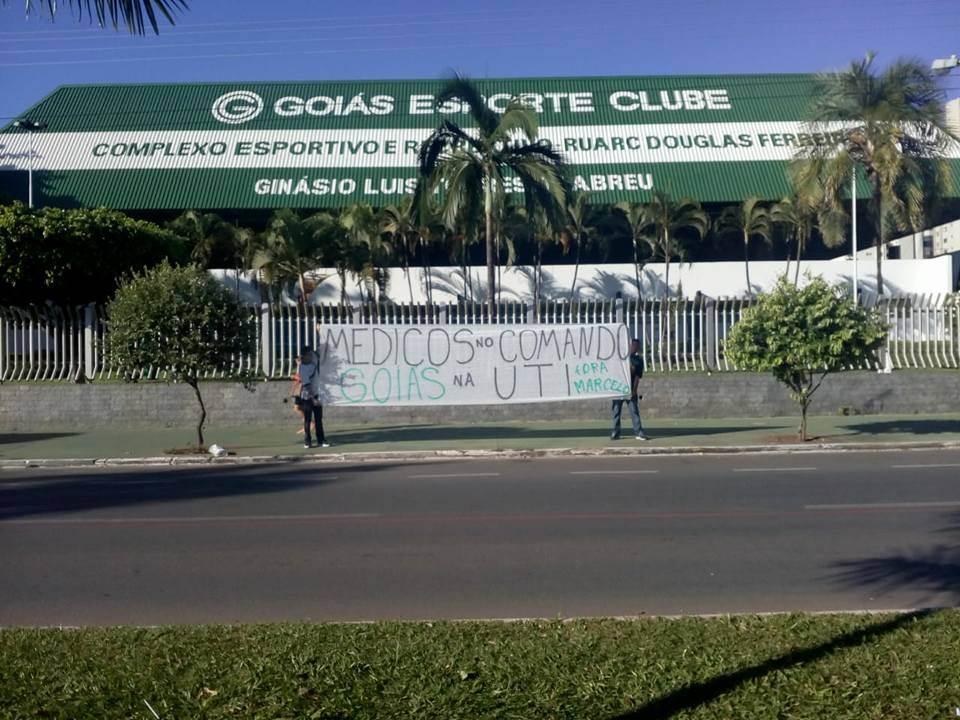 Com protesto marcado para amanhã, torcedores do Goiás querem saída da diretoria | Foto: Divulgação/Redes Sociais