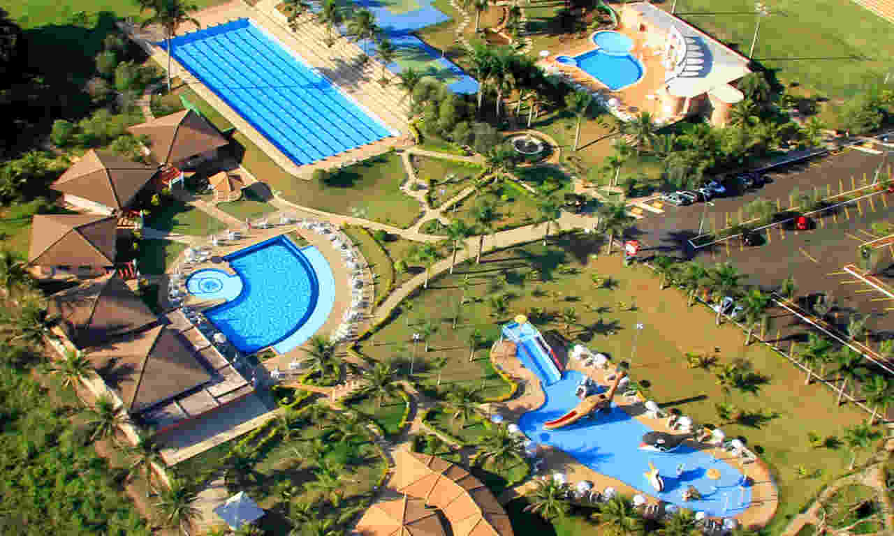 Confira 6 clubes para se refrescar do forte calor em Goiânia
