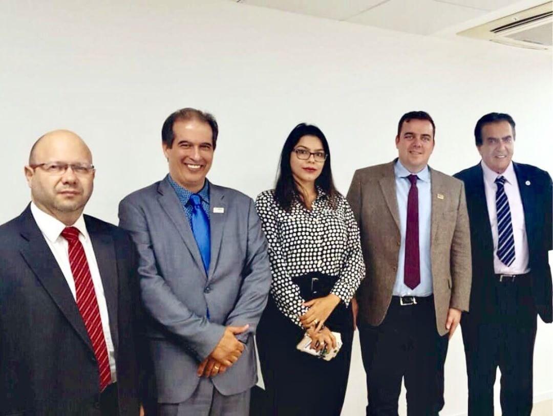 Prefeito Gustavo Mendanha viajou a Brasília em busca de recursos para a saúde | Foto: Reprodução/Instagram
