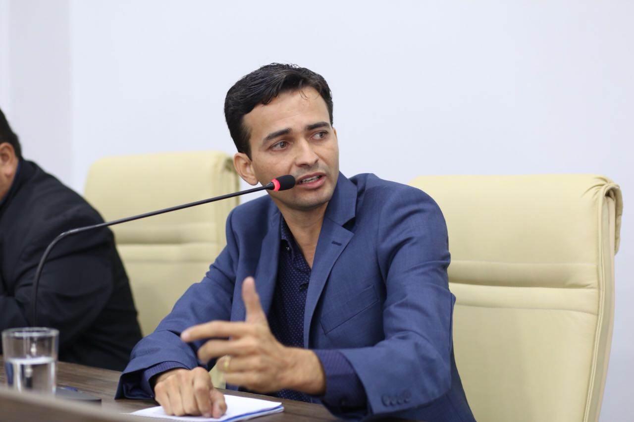 Ex-secretário de Desenvolvimento Urbano Max Menezes (MDB) | Foto: Câmara de Aparecida de Goiânia