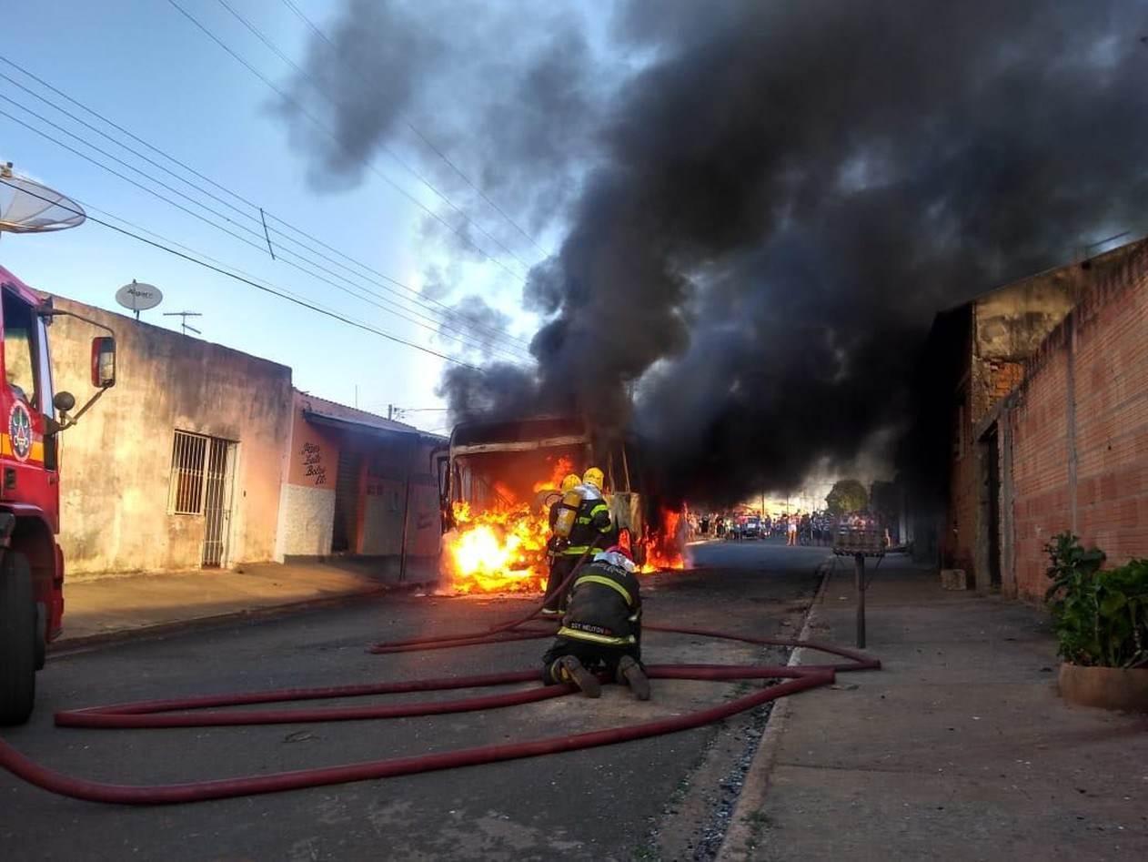 Governo teme que PCC ataque policiais e ônibus em Goiânia como ocorreu em Uberlândia (MG) nos últimos dias   Foto: Reprodução