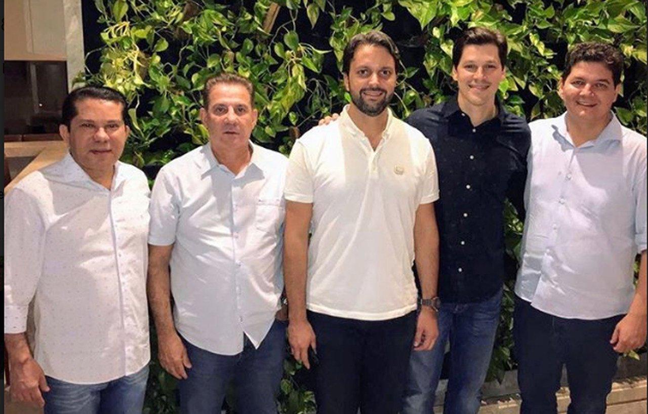 Sandes Júnior, Vanderlan Cardoso, Alexandre Baldy, Daniel Vilela e Heuler Cruvinel oficializaram aliança na noite do último domingo, 5 | Foto: Divulgação