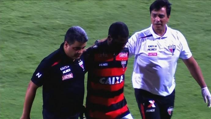 Robson Porto ao lado de Marquinhos e Marcelo Cabo em sua última passagem pelo Atlético Goianiense | Foto: Reprodução