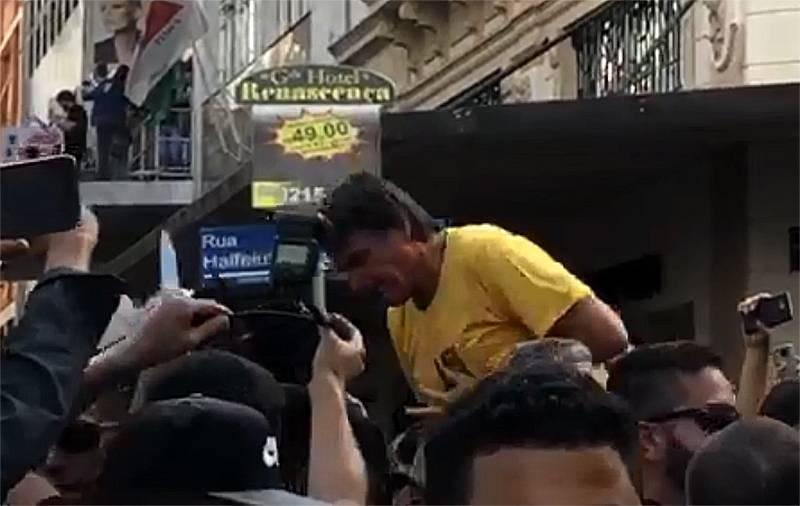 Jair Bolsonaro é esfaqueado durante carreata em MG | Foto: Reprodução