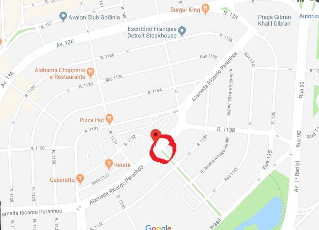Local do acidente da imagem anterior. Carro capotou sobre pista de cooper na Alameda Ricardo Paranhos, em Goiânia. Não houve vítimas | Foto: Google Maps