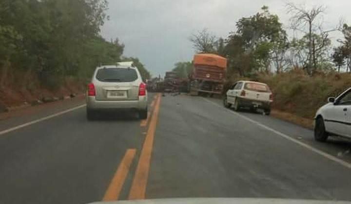 Rodovia GO-020 ficou interditada após a colisão | Foto: reprodução