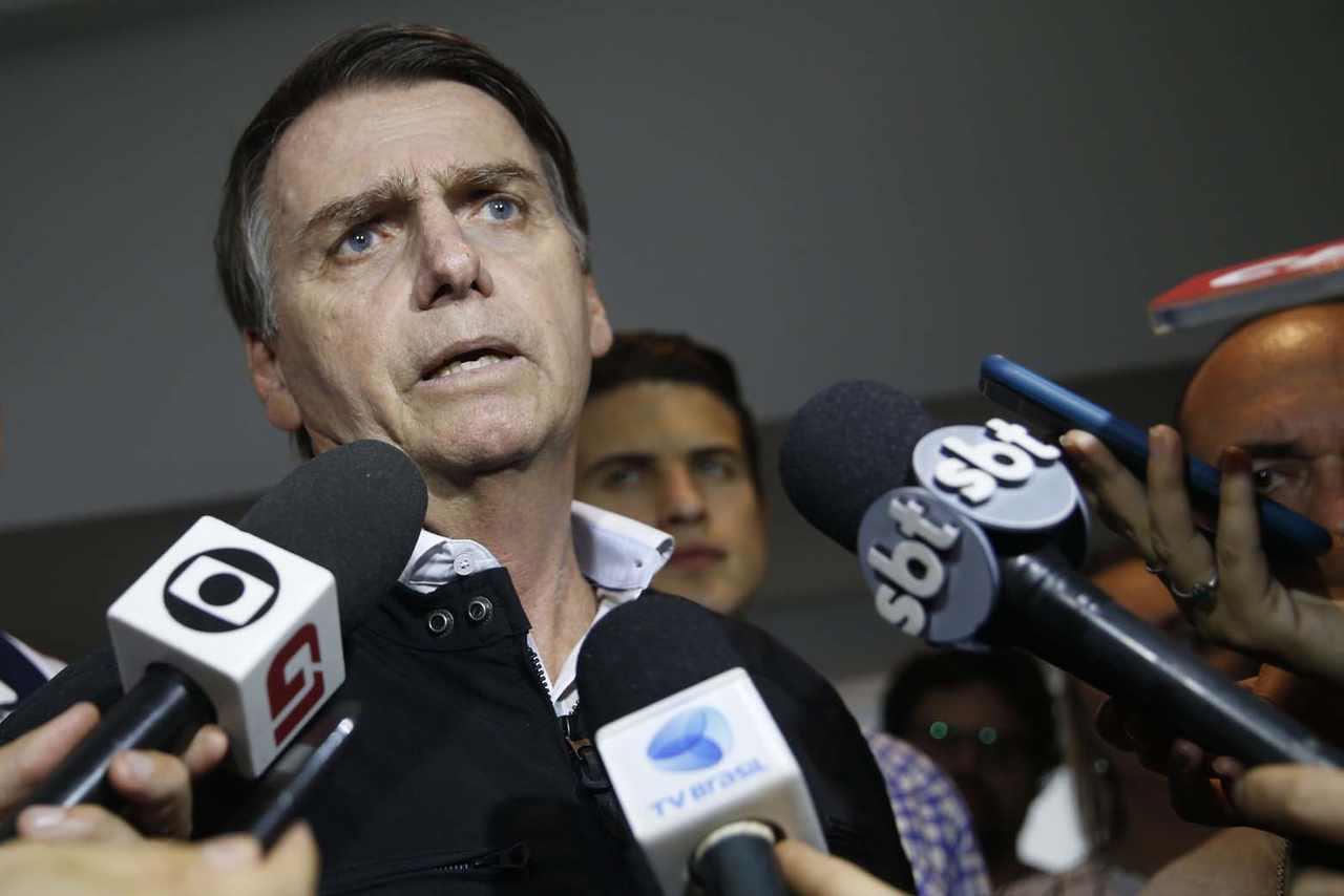 Ao fim de entrevista com Bolsonaro, jornalista pede demissão ao vivo | Foto: Fernando Frazão/Agencia Brasil