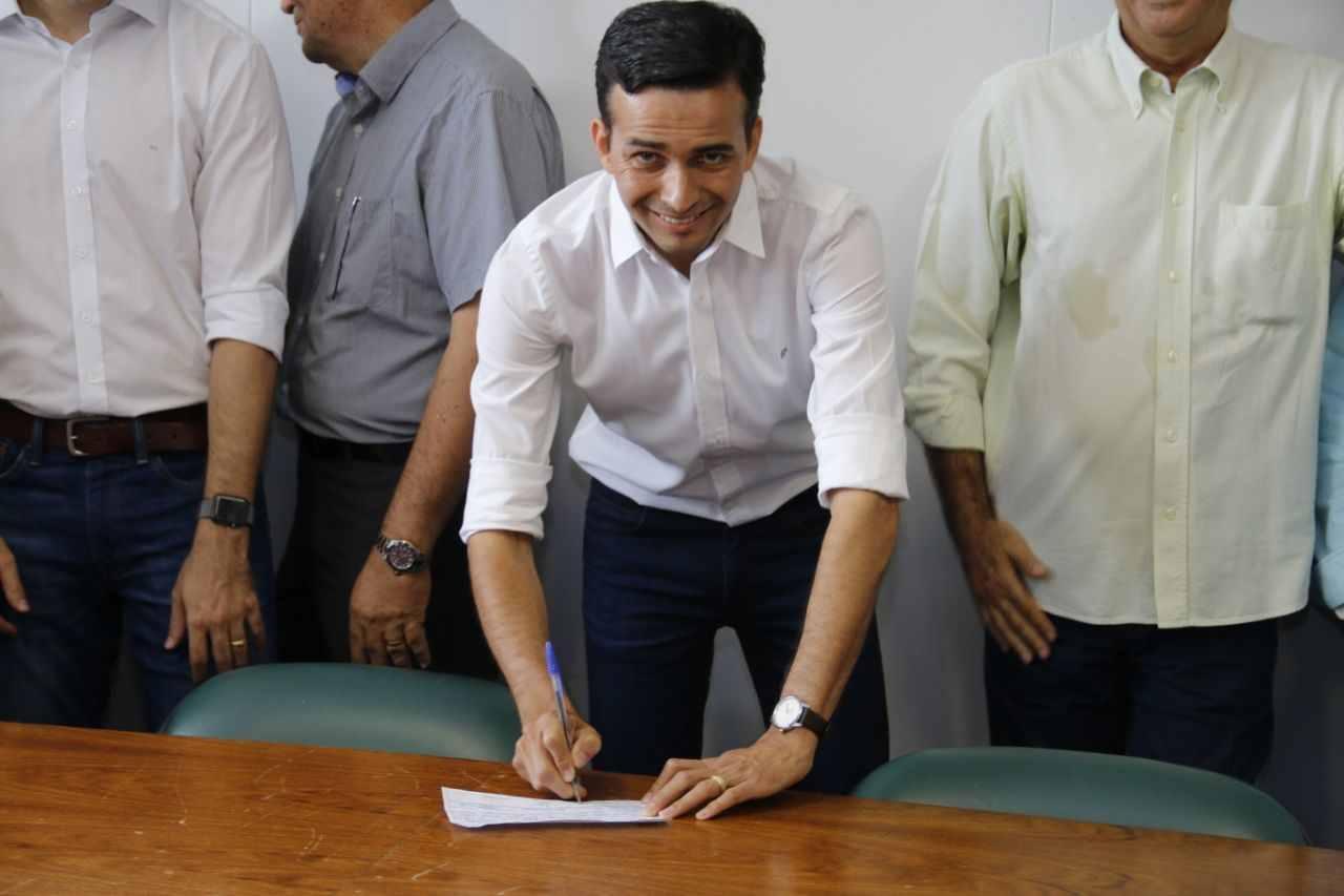 Max Menezes em filiação ao MDB | Foto: Reprodução