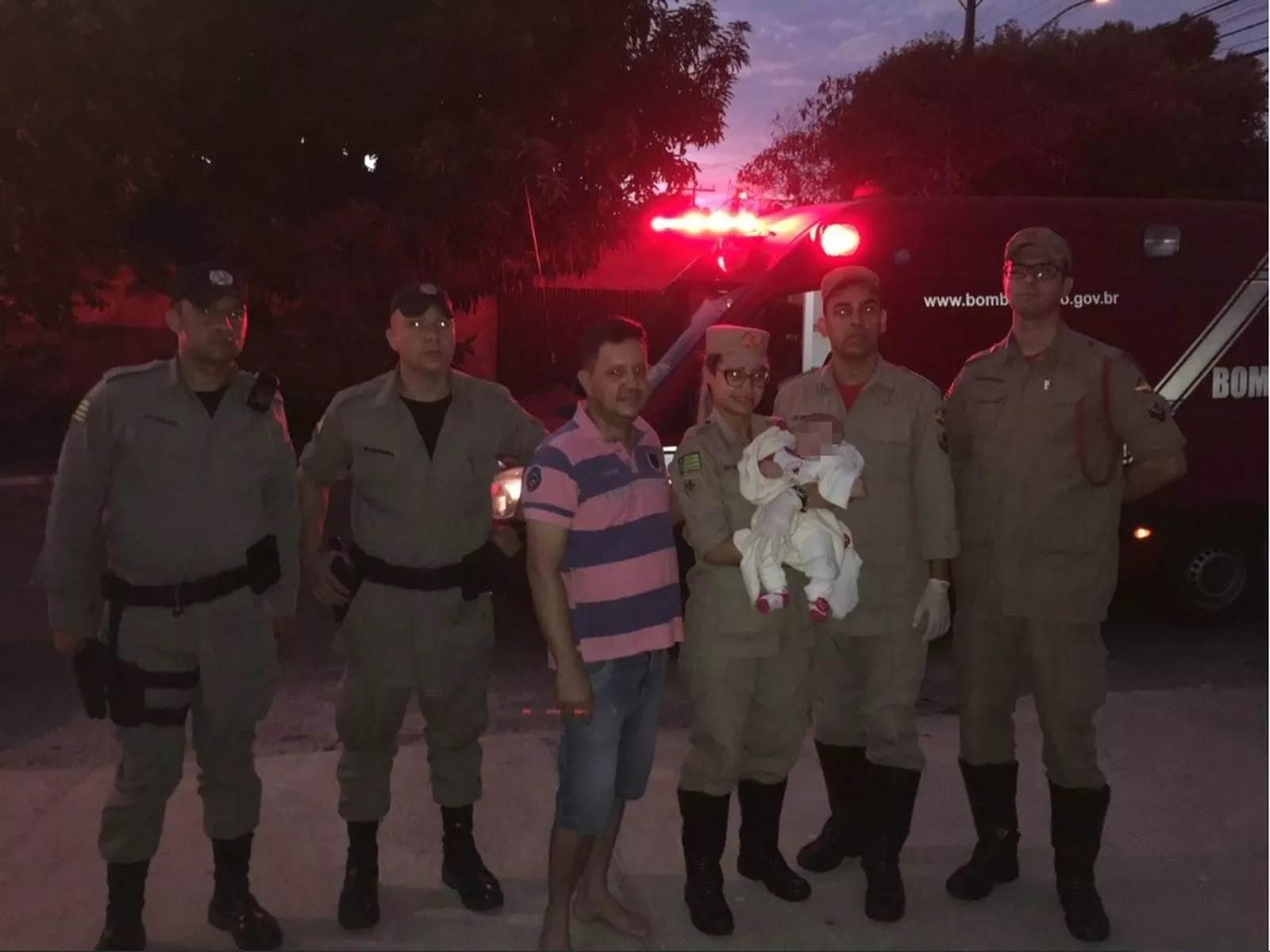 A equipe do Corpo de Bombeiros resgatou a bebê por volta de 4h50 | Foto: divulgação