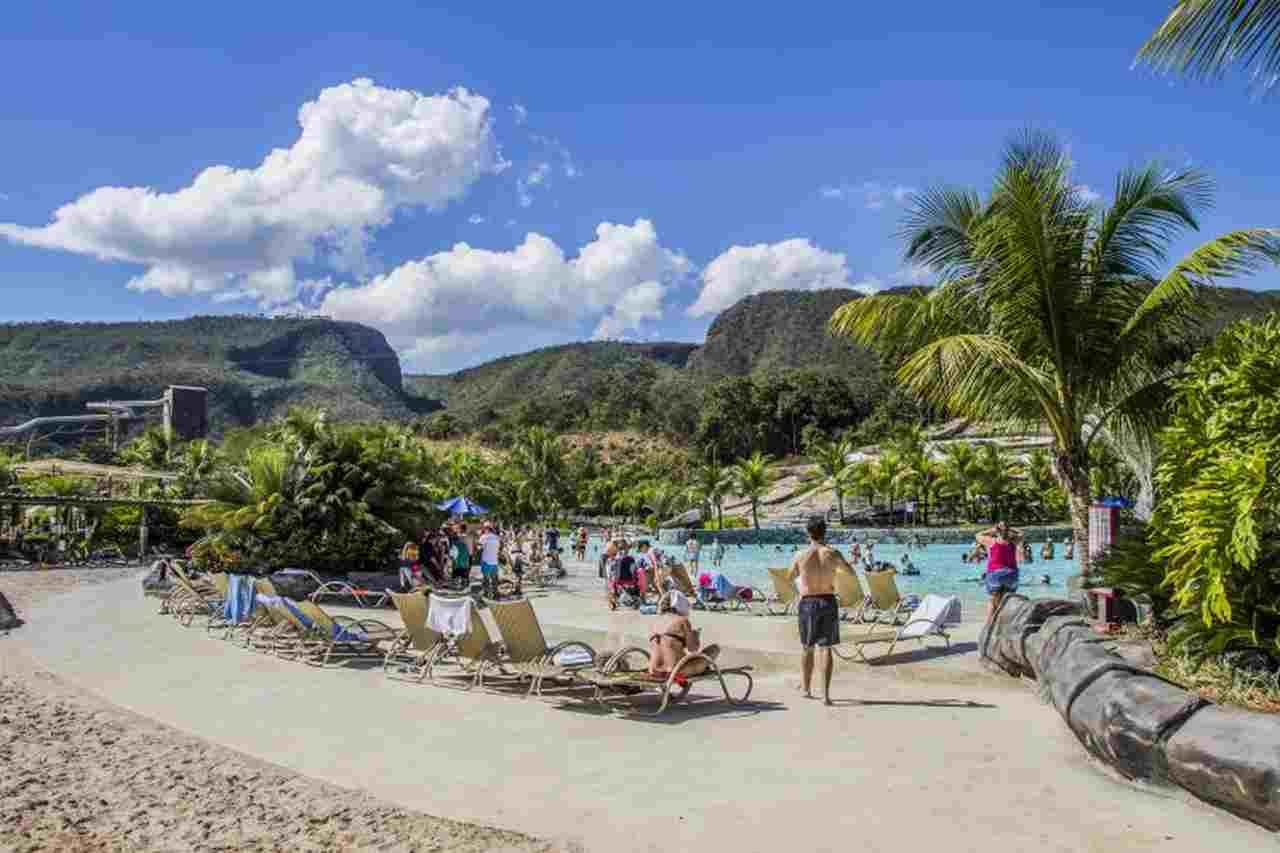 Praia do Cerrado é uma das mais charmosas e atrativas opões que o Hot Park oferece | Foto: Reprodução