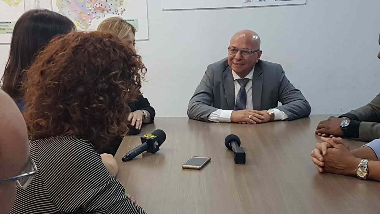 Professor Alcides falou com a imprensa após ser eleito deputado federal nas Eleições 2018 | Foto: Folha Z