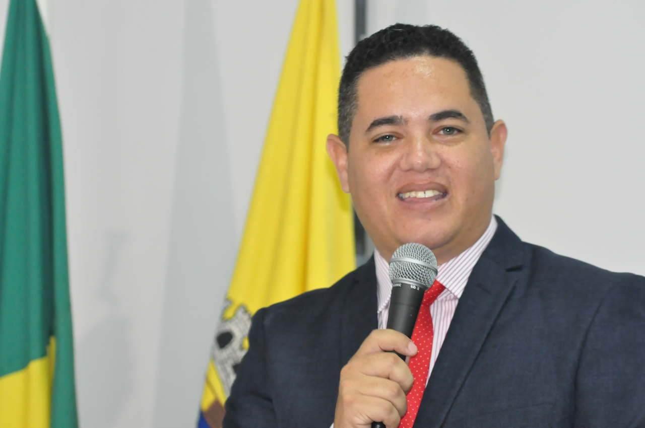 Vereador Elias Alves na Câmara de Aparecida de Goiânia   Foto: Reprodução