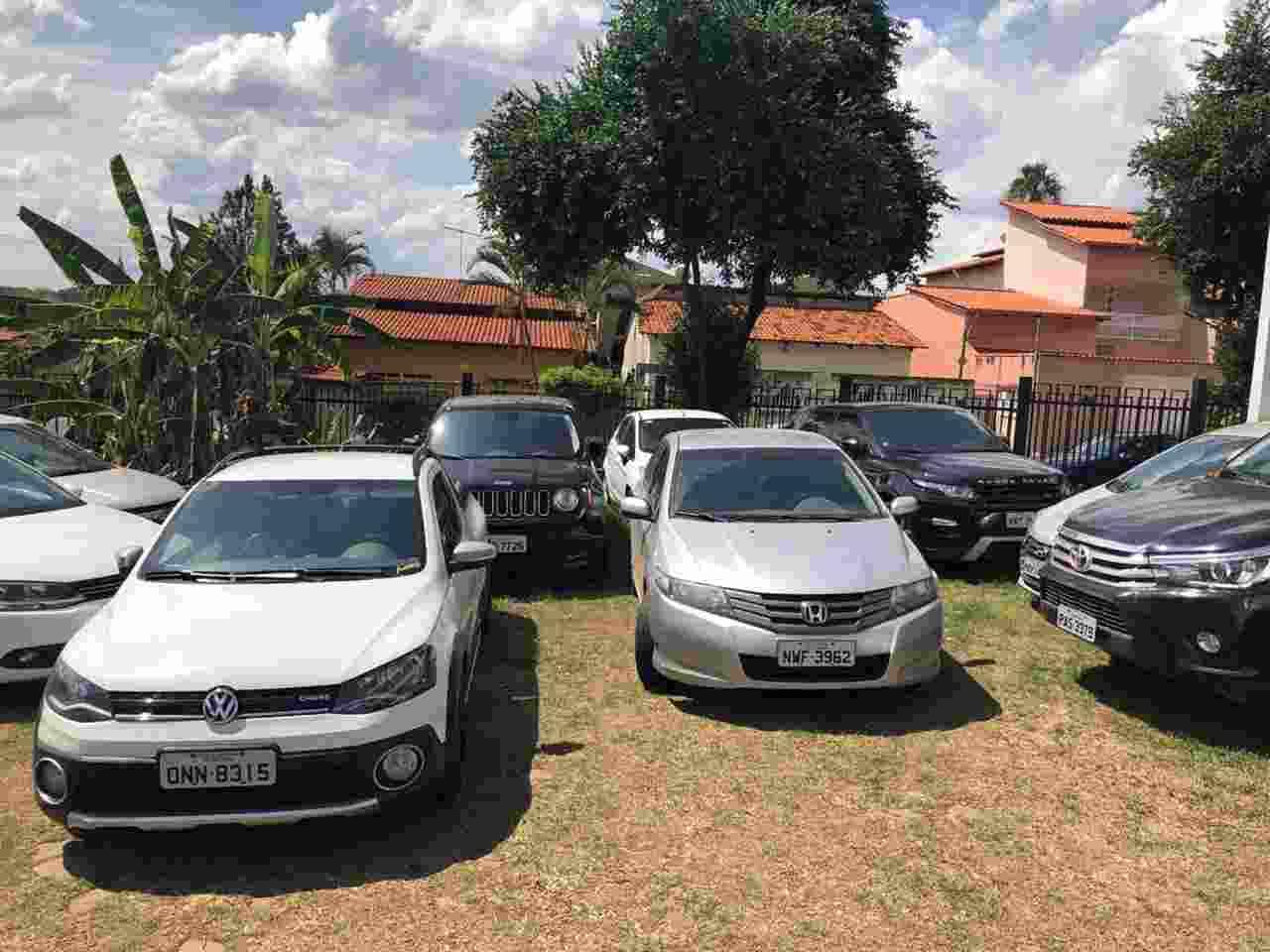 Também foram apreendidos com os suspeitos 11 veículos | Foto: Divulgação/PC