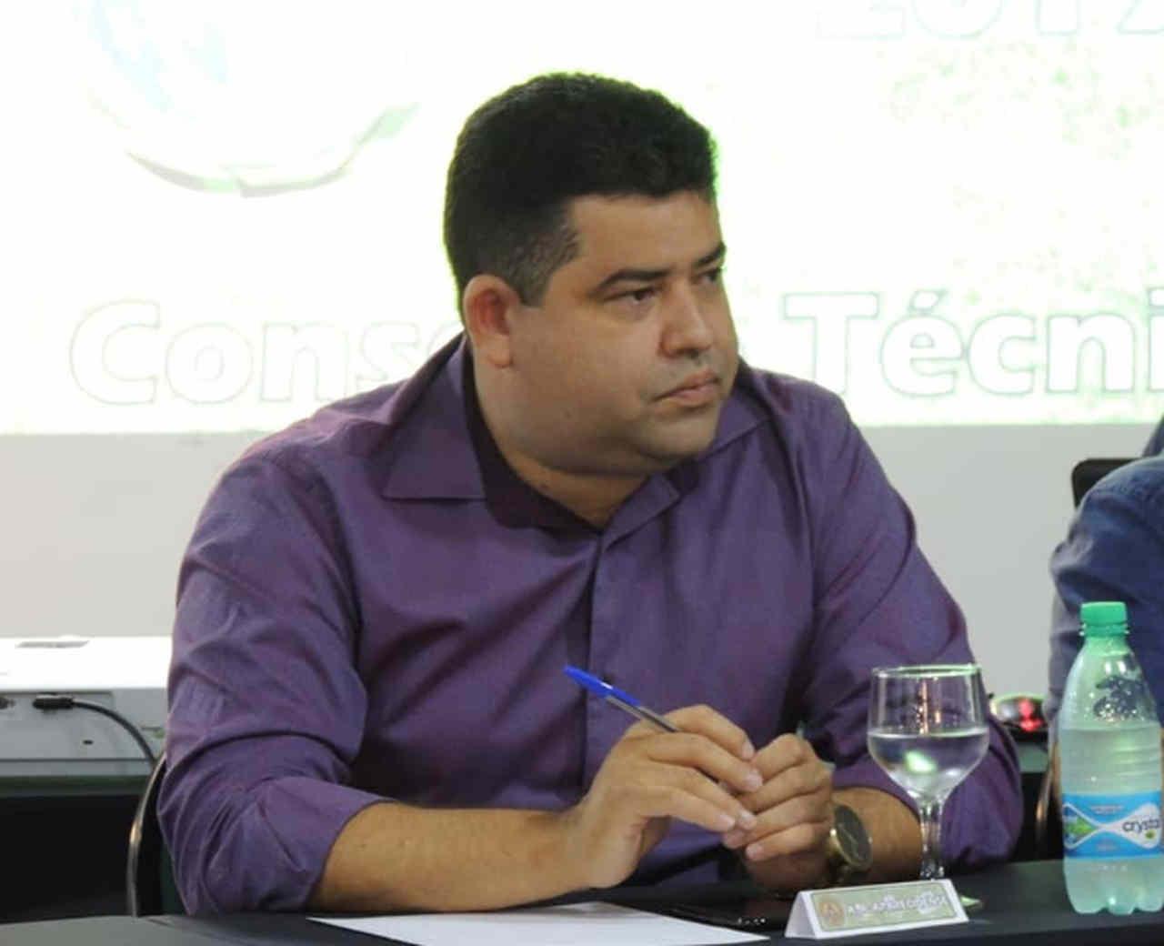 Aparecidense fecha com técnico e meia campeões pelo Vila Nova, conta presidente Elvis Mendes ao FZ | Foto: Marielly Dias