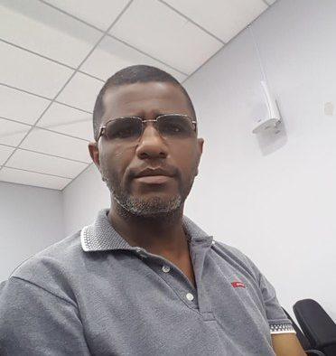 Presidente da Associação de Moradores da Vila Maria, Hélio Martins | Foto: Folha Z