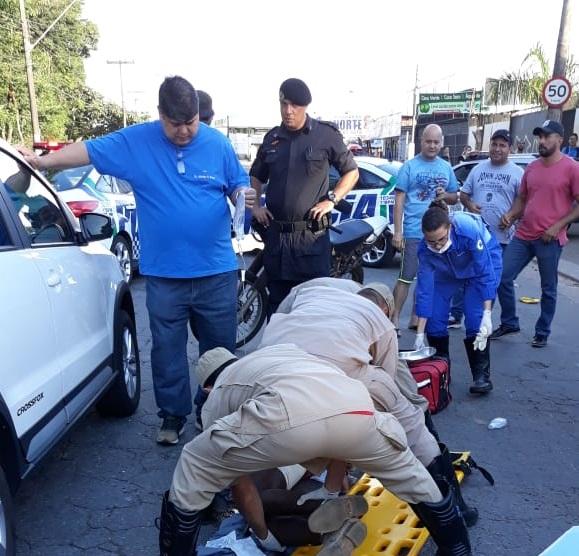 O suspeito de roubar o veículo levou 4 tiros | Foto: divulgação