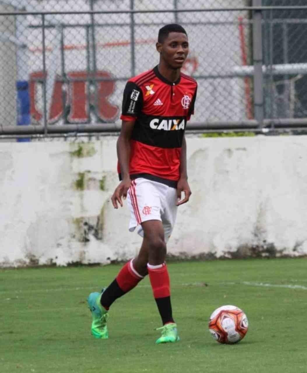 Incêndio CT Flamengo Jhonatan