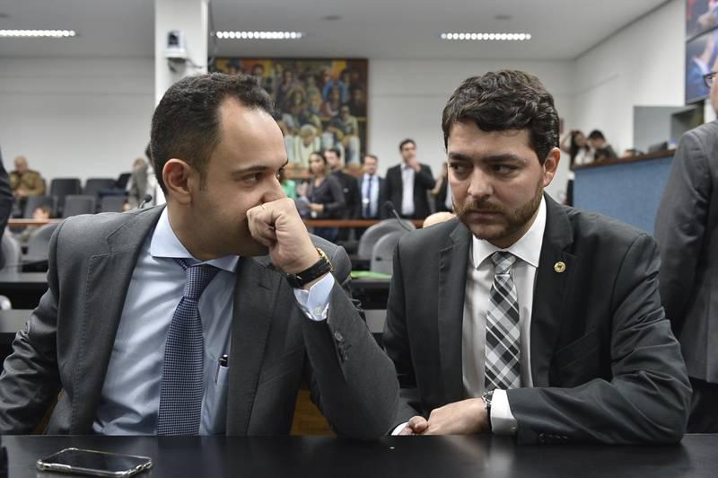 Deputados Cairo Salim (Pros) e Henrique Arantes (PTB): relator e presidente da CPI, respectivamente   Foto: Sérgio Rocha