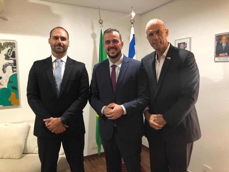 Prefeito de Aparecida também encontrou com o embaixador de Israel no Brasil, Yossi Shelley | Foto: Divulgação