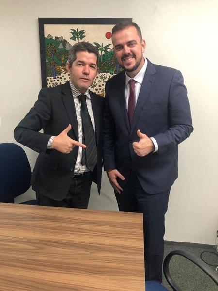 Deputado federal Delegado Waldir (PSL) e prefeito de Aparecida de Goiânia Gustavo Mendanha | Foto: Divulgação