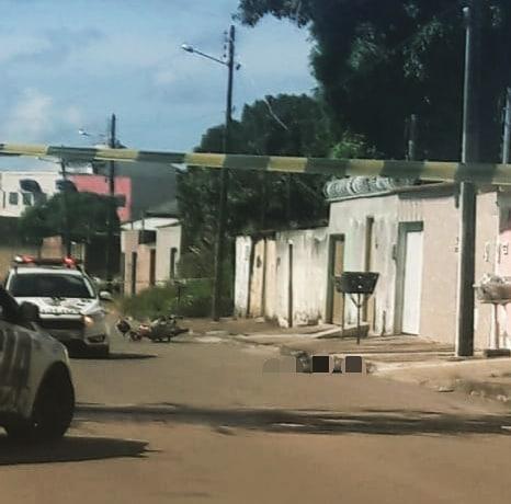 Condutor de moto foi detido e levado para a Central de Flagrantes após troca de tiros no Buriti Sereno   Foto: Via Bill Guerra